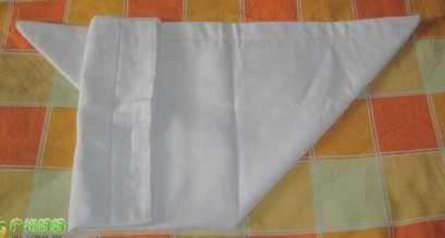 男孩子用的尿布叠法图 图解尿布的三种折法