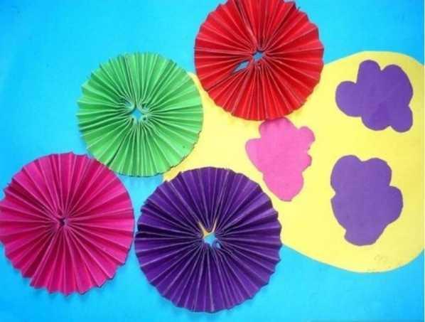 美丽可爱的雨伞怎么画